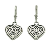 Vikinge Shaped Earrings - like a heart is this motif that is meant to be from a clasp of oriental origin.